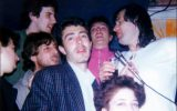 Fish with italian fan club members: Fanfula Pub, Milan - 14.05.1987 - Photo by Roberto Cangioli